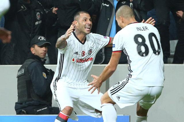 Beşiktaş - Benfica devre arasında soyunma odasında neler yaşandı?