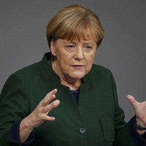 Merkel: Her şeye rağmen Türkiye ile...