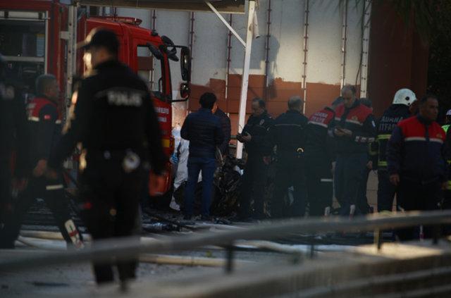 Adana'da valilik otoparkında patlama, Adana'daki patlamadan ilk kareler