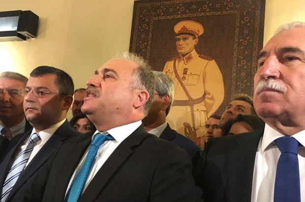 'Mareşal Atatürk' portresi yerine asıldı!