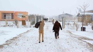 Afganistan'da soğuk hava 20 can aldı