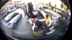 Otobüs şoforü seferi bırakıp rahatsızlanan kadını hastaneye götürdü