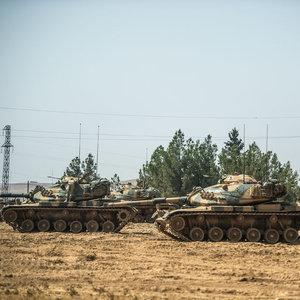 Türk askerine saldırı: 7 yaralı