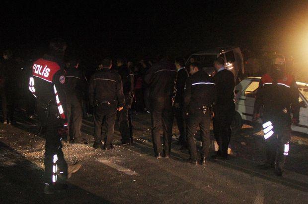 Şanlıurfa'da elektrik kesintisi yüzünden mahalleli yolu kapattı