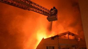 Kırklareli'de bir kadın oğlunu yangından kurtarmak için 5. kattan aşağı bıraktı