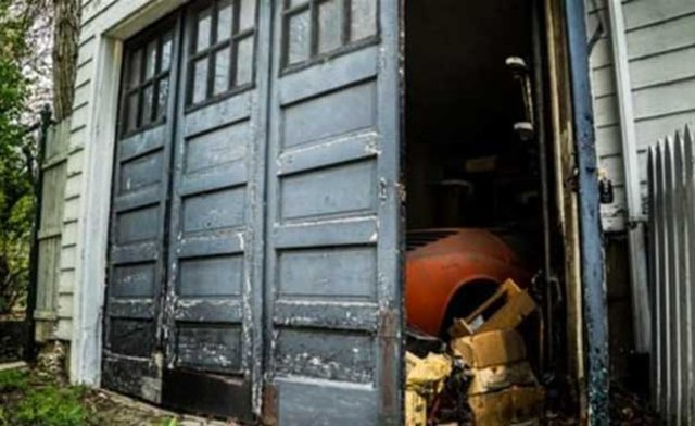 Aldığı evin garajından Lamborghini çıktı
