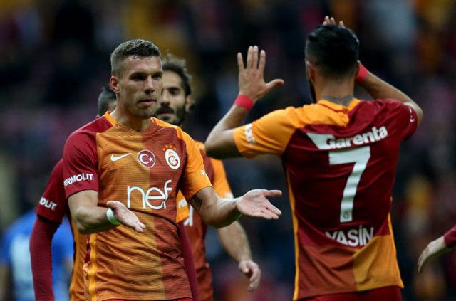 Galatasaray'ın Alman yıldızı Lukas Podolski'yi 3 Çin ekibi talip