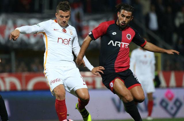 Lukas Podolski, Çin'e gidiyor