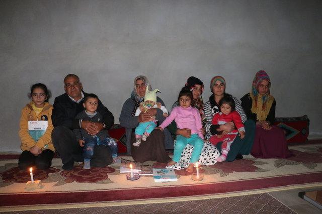Adıyamanlı Süt ailesinin mum ışığında zorlu yaşamı