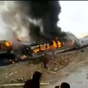 İran'da tren kazası: 44 ölü!