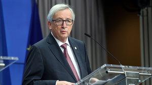 Jean Claude Juncker: Avrupa Türkiye'ye ders vermekten çekinmeli