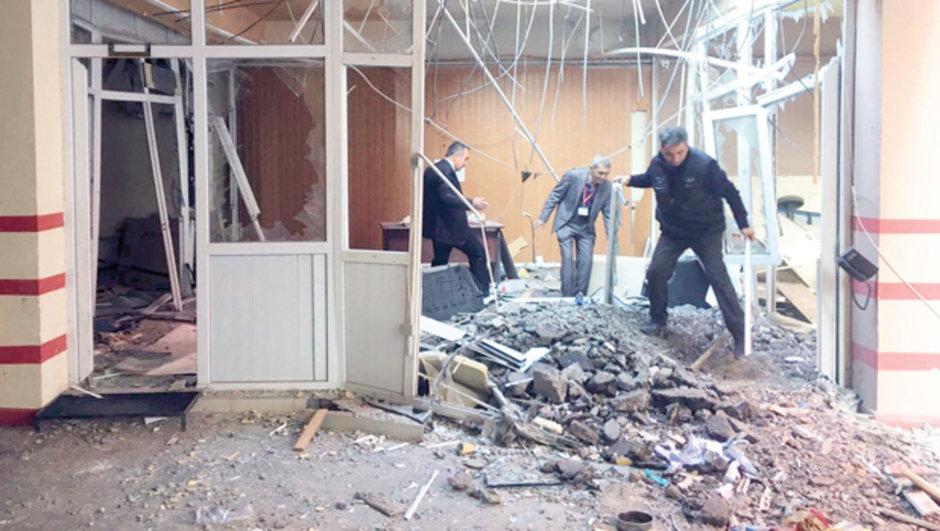Adana Valiliği otoparkında patlama