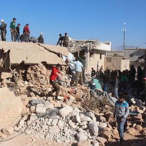 Halep'e hava saldırısı: 46 ölü, 325 yaralı