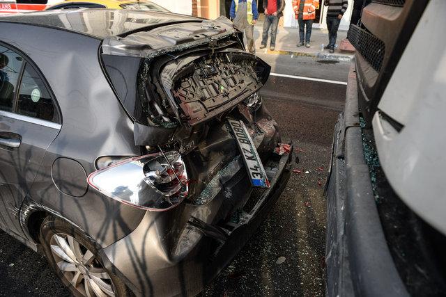 Beyoğlu'nda zincirleme kaza: 2 yaralı