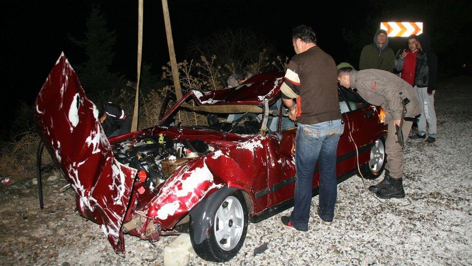 Muğla virajı alamayan otomobil kaza