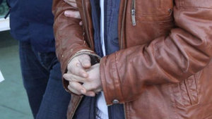 İhraç edilen belediye başkanına FETÖ gözaltısı