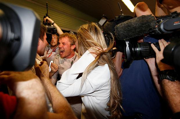 Formula 1'de şampiyon Nico Rosberg!