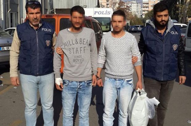 İzmir'de bıçaklı kavga: 1 kişi öldü