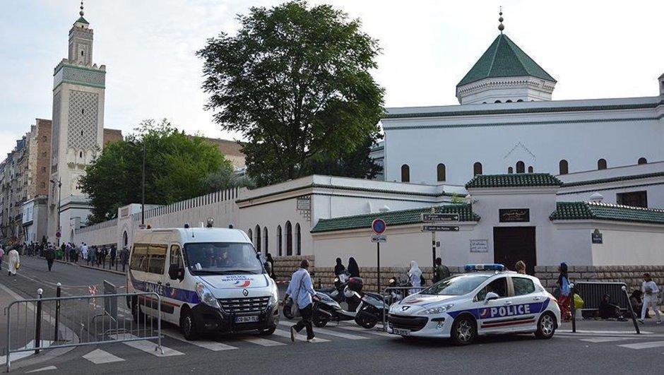 Fransa camiye saldırı