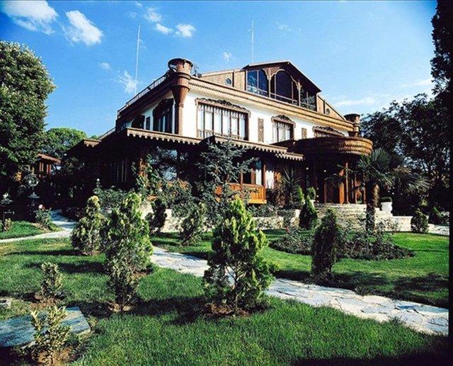Adnan Oktar'ın lüks çiftlik evi, Adnan Oktar'ın evi, Adnan Oktar nerede yaşıyor?