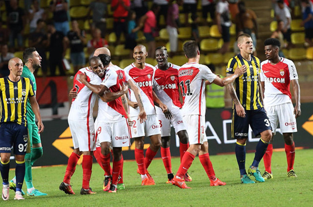 Fenerbahçe'de Vitor Pereira ile Dick Advocaat arasındaki 8 fark!