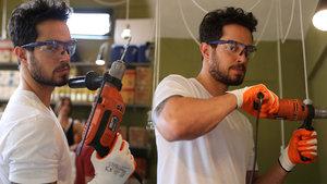 Murat Boz, en yakışıklı tamirci ilan edildi