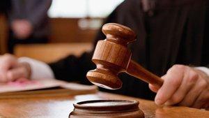 Kayseri'de  'silahla tehdit' suçundan yargılanan kocanın cezası belli oldu
