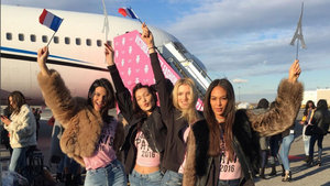 Victoria's Secret melekleri Paris'e uçtu