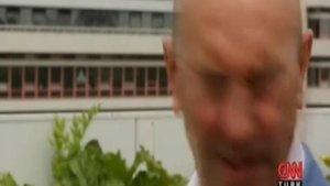 Tunç Soyer'i canlı yayında arı gözünden soktu