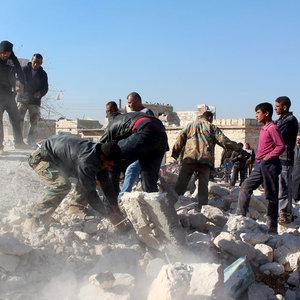 Rejim güçleri Halep'i vurdu: 30 ölü, 250 yaralı
