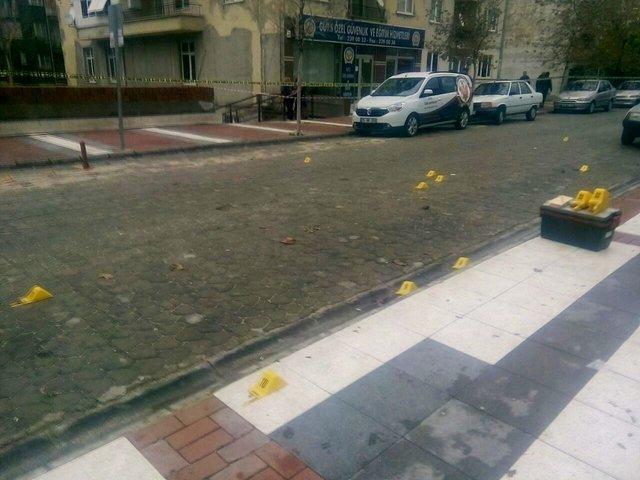 Manisa'da sokak ortasındaki çatışmada 6 kişi yaralandı