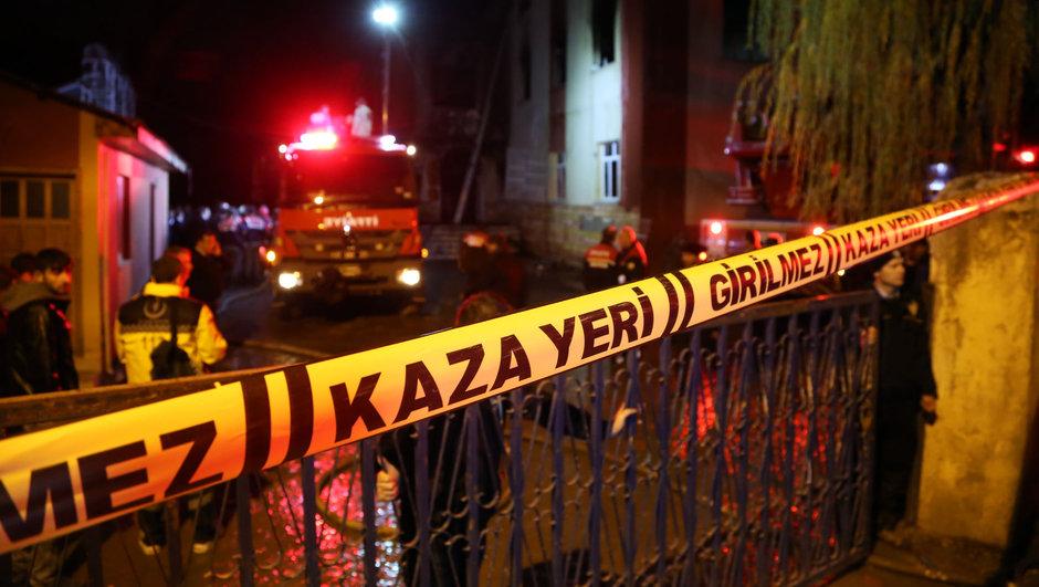 Adana Yangın öğrenci yurdu 3 kız öğrenci