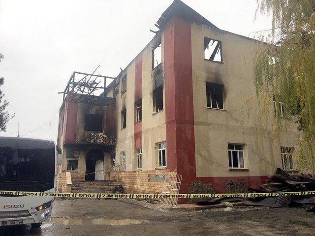 Adana'daki yurt yangını için bilirkişi ön raporu açıklandı