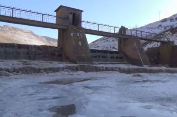 Soğuklar HES barajını dondurdu!