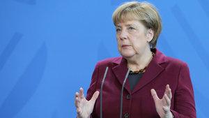 """""""Merkel, Türkiye ile yeni fasılların açılmasına karşı"""""""