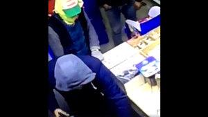 Manisa'da soygun girişimi kamerada