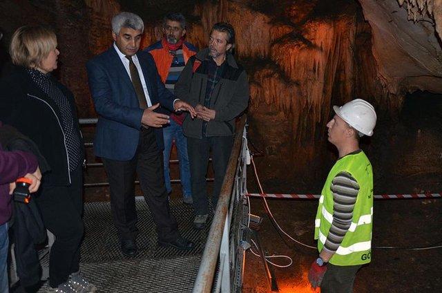 Muğla'daki kazıda insan ve hayvan kemikleri bulundu