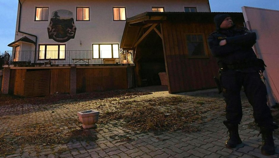 Avusturya cinnet dehşet 6 kişinin cesedi