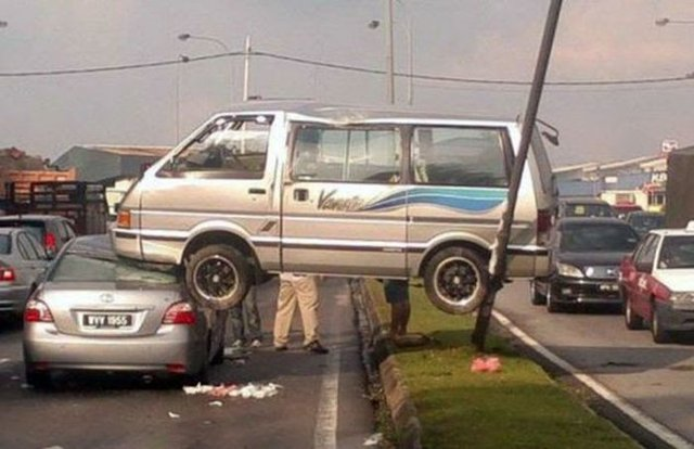 En ilginç trafik kazaları
