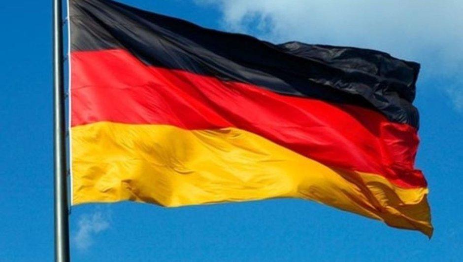Almanya'da PKK yandaşlarından molotoflu saldırı