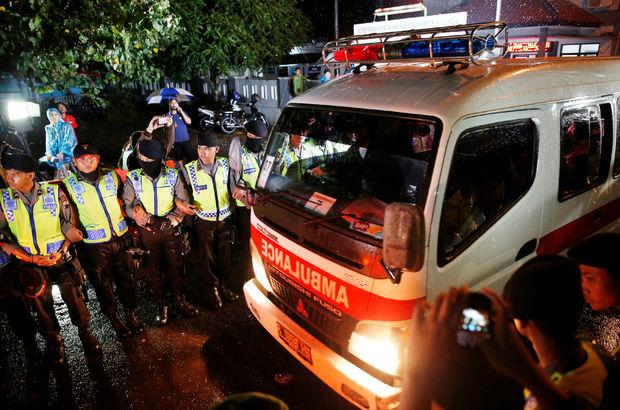 Çin'de minibüs faciası: 18 ölü