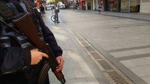 İzmir'de bomba ihbarı