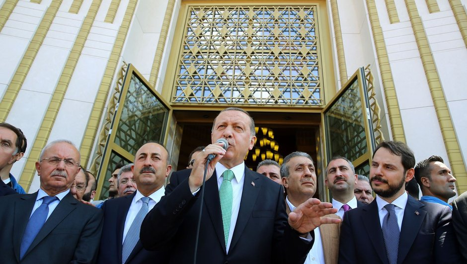 """""""Başkan Erdoğan"""" tezahüratlarına yanıt"""