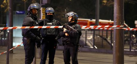 Paris'te silahlı soygun girişimi