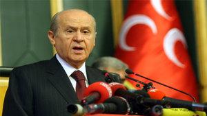 MHP 'Mevcuttan iyi' deyip son kararı tabana bırakacak