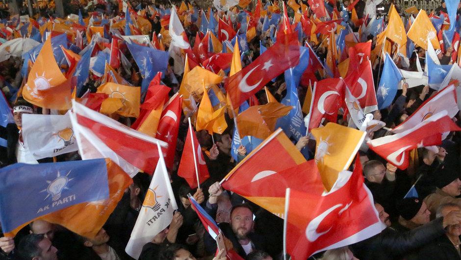 AK Parti'nin referandum stratejisi
