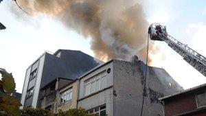 Beyoğlu'nda çanta atölyesinde yangın çıktı