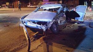 Manisa'da iki otomobil çarpıştı: 2 ağır yaralı