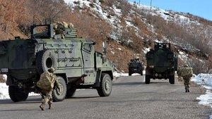 Hakkari'de askere taciz ateşi