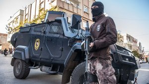 Diyarbakır'da eylem hazırlığı içinde olan 2 PKK'lı yakalandı